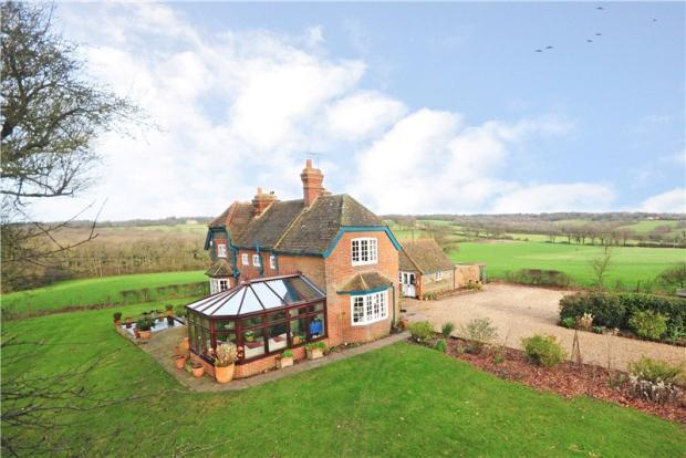 4 Bedroom Detached House To Rent In Middle Old Park Farnham