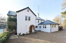Tilford Road Detached property to rent
