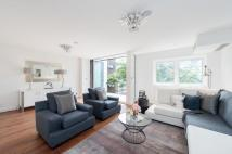 5 bedroom Terraced house in St.Edmunds Terrace...