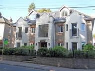Apartment to rent in Pulborough