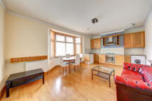 Flat to rent in Fulham Palace Road...