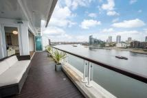 3 bed Flat in Thames Quay...