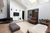 4 bed Terraced house to rent in Netherton Grove, Chelsea...