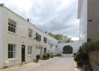 2 bedroom Mews to rent in Sumner Place Mews...