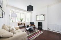 3 bed Flat in Ashburnham Mansions...