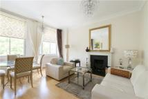 Flat to rent in Charlesworth House...