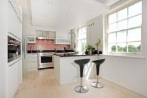 2 bedroom Flat for sale in Gloucester Avenue, London