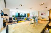 Flat for sale in Millharbour, London