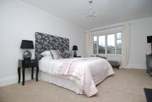 4 bedroom Flat to rent in Belsize Square, London