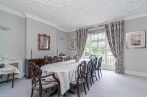 4 bed Flat to rent in Vale Court...