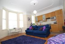2 bedroom Flat to rent in Savernake Road, London
