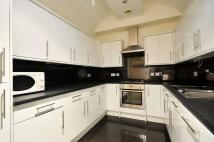 4 bed Flat in Weymouth Mews, London