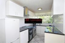 3 bed Flat in Monroe House...