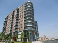 3 bedroom Flat in New Providence Wharf...