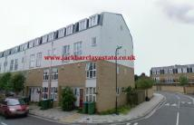 5 bedroom End of Terrace property in Franklin Place...