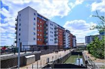 2 bedroom Flat in The Lock Building...
