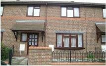 Terraced house to rent in Wooster Gardens...