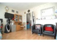 Flat to rent in Roberta Street...
