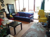 Maisonette to rent in Canonbury Road, London...