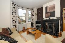 2 bed home in Willoughby Road Kingston...