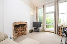 2 bedroom Apartment in Claremont Gardens...