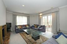 3 bed Flat to rent in Warren Road...