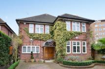 5 bed property in Albany Park Road...