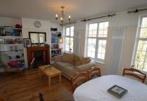 4 bed Maisonette to rent in Walton Road, East Molesey