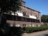 3 bedroom Flat to rent in Evelyn Court...