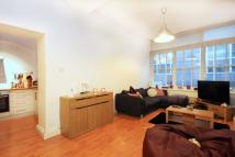 Flat to rent in Middlesex Street...
