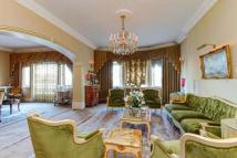 Flat for sale in North Gate...