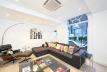 3 bed property to rent in Berkeley Mews, London...