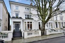 Belsize Square house to rent