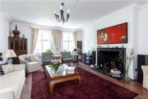 5 bedroom Flat in Hanover House...