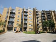 1 bedroom Flat in Canary Central...
