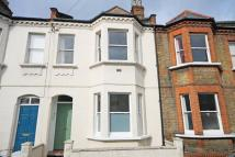 Flat to rent in Ingelow Road, Battersea...