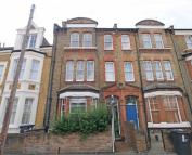 2 bedroom Flat in Endymion Road, Brixton