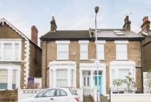 3 bed home in Fernlea Road, Balham
