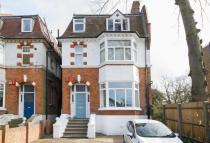 3 bed Flat for sale in Kings Avenue, Clapham