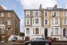 Flat in Gauden Road, Clapham
