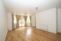 Apartment to rent in Hurstwood Lane