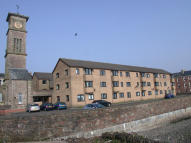 Ground Flat to rent in East Clyde Street...
