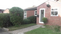 2 bed Detached Bungalow in The Hollies, Gravesend...