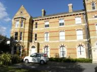 Flat to rent in 14 Ricketts Close...