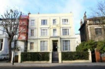 Studio flat in Pembridge Villas...