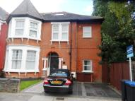 1 bed Flat to rent in Haslemere Road, London...