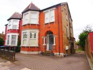 2 bed Flat in Haslemere Road, London...