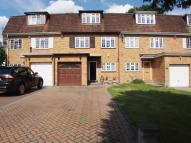 4 bedroom Town House in Private Road, Enfield...