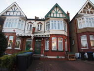 Flat to rent in Fox Lane, London, N13