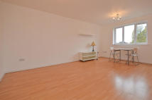 1 bedroom Studio apartment in Linwood Crescent...